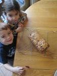 kids smelling thebread